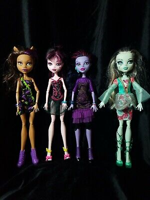 Monster High Doll Lot -of 4 Clawdeen, Jane Boolittle, Draculaura and Frankie