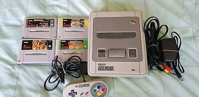 Super Nintendo SNES With 4 Games + 1 Controller