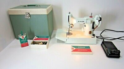 Celery White Singer Featherweight 221 Sewing Machine w/Case