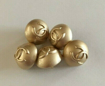 Chanel 5 small buttons