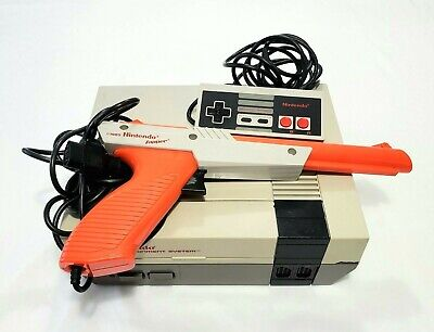 Nintendo NES Console Bundle With OEM Controller Zapper Cleaned Tested NES-001