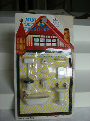 1 very tiny vintage miniature plastic dollhouse bathroom furniture set Hong Kong