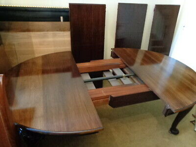 LARGE ANTIQUE 10ft WIND-OUT EXTENDING MAHOGANY DINING TABLE