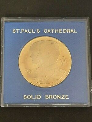 SOLID BRONZE - 1981 St Paul's Cathedral MEDALLION - to commemorate Royal Wedding