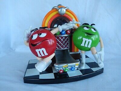 M/&M/'s FTD Red /& Green Characters Valentine/'s Day Sitting On Bench Planter