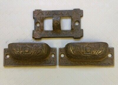 Lot of 3 Antique Eastlake Cast Iron Drawer Pulls and Oil Lamp Bracket