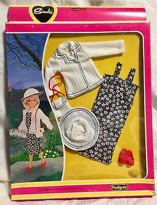 Pedigree Sindy Outfit / Clothes MOC