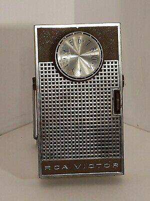 Vintage RCA VICTOR 8 TRANSISTOR RADIO With Leather Hand HeldCase Works Good!!