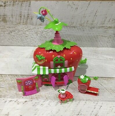 Strawberry Shortcake Berry Cafe House Furniture Doll
