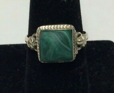 Collectible sterling silver womens ring with nice stone, 4 grams, size 10.0-T679