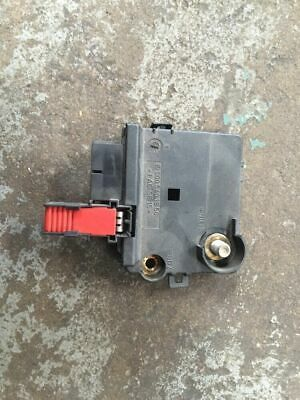 2000 Mercedes-Benz S500 Oem Battery Junction Control Fuse Box Connector
