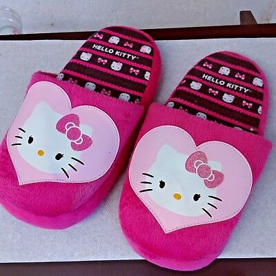 Sanrio Girls Youth Kids Hello Kitty Slippers Size 2-3 Pink Soft Plush Cushioned