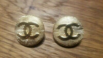 Lot of 2 Vintage Chanel round gold tone cc logo Buttons 20  mm
