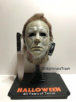 Michael Myers Halloween Mask Stand w/ Knife Included 2018 Horror Movie Prop