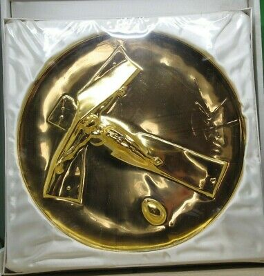 """1972 Annual Plate """"Easter Christ"""" SALVADOR DALI Lincoln Mint Gold Plated"""