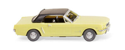 WIK020599 - Voiture de type cabriolet FORD Mustang jaune -  -