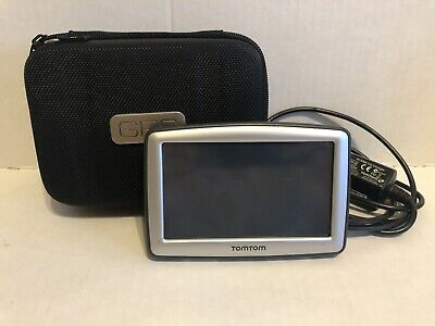 TOM TOM XL GPS N14644 Unit With Charger And Case Bundle