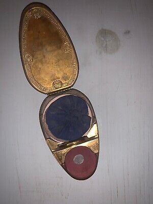 Vintage Compact Makeup Powder with Gold Tone Cute Design