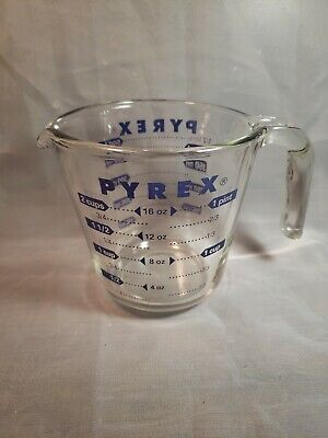 PYREX  2 Cup Measuring Cup Glass Open Handle Blue Lettering