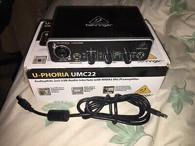 Behringer U-phoria UMC22 Audio Interface