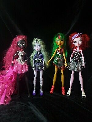 Monster High Doll Catty Noir, Jinafire, Twyla and Oppereta lot of 4