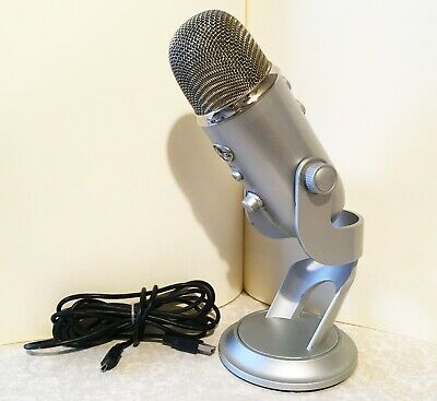 Blue Microphones Yeti USB Mic - Silver - Podcast • Vocal • YouTube • Streaming