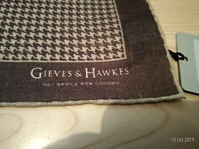 Gieves and Hawkes brown dogtooth wool/silk  pocket square nwt
