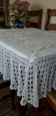Vintage irish linen Square tablecloth with lace edge