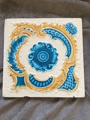 Beautiful Victorian Arts and Crafts antique tile Minton Hollins