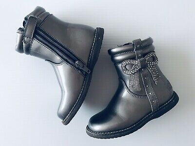Lelli Kelly Girls Silver Boots Winter Shoes Size 24 Infant