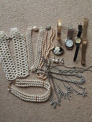 Job lot Mixed modern and vintage costume jewellery bangle brooch pearl choker