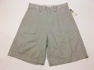 NWT - GAP - Mens Size 28 Waist - Relaxed Fit Khaki Shorts, Double Pleated