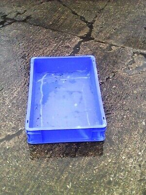 75 x Plastic Crates, Plastic Boxes, Stacking Trays, Heavy Duty Boxes, Crates