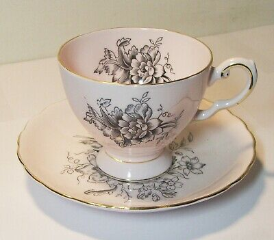 Tuscan Tea Cup & Saucer Pale Pink Flowers Floral Gold Trim Scalloped 519H EUC