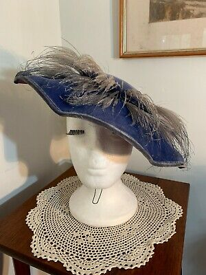 1910-1930s Blue Percher Hat With Ostritch Feathers