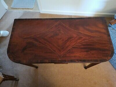 Beautiful inlaid card table in mahogany Georgian made about 1800 green felt top