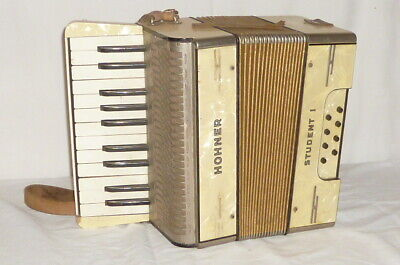 Old Hohner Student 1 Accordion Accordeon Bandoleon Accordion Attic