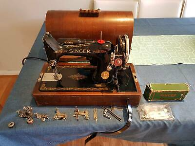 SEWING MACHINE SINGER 1940s KNEE ACTION WITH HOOD, MANUALS, SPARES