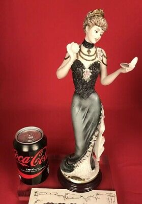 Giuseppe G. Armani Serena 0349C Lady With Powder Florence Figur Figurine