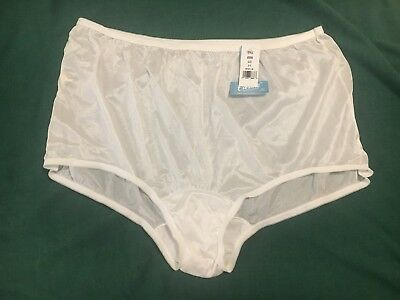 Vintage CAROLE Heiress Made in USA Sheer Nylon Granny Panty Brief Size 11 - NOS