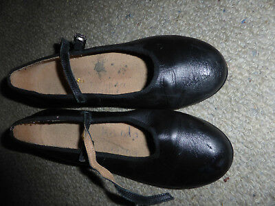 Bloch black tap shoes size 6