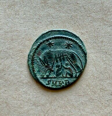 City Commemorative bronze follis URBS ROMA (335-337 AD). A nice coin!