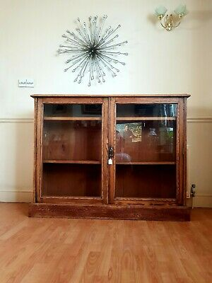 Solid  Oak  Glass  Fronted  Bookcase/Display cabinet