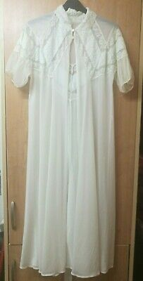Vintage - Nylon - Long - Sheer - Cream - Green - Lace - Night robe  Gown  size M