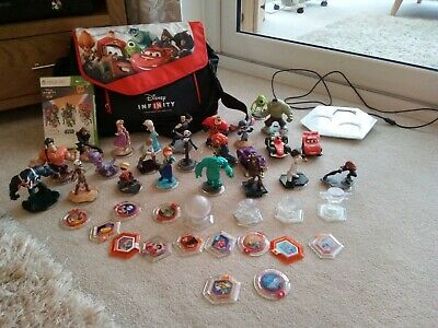 Xbox 360 Disney Infinity 3.0 / 2.0 / 1.0 Bundle carry case and game