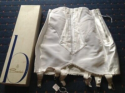 BERLEI VINTAGE WHITE ZIP GIRDLE. UNWORN, BOXED, STILL WITH TAG. 7330x 29. 7A.