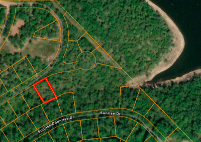 *Walk to the LAKE!! Undeveloped MO Land! No Reserve! Warranty Deed!*