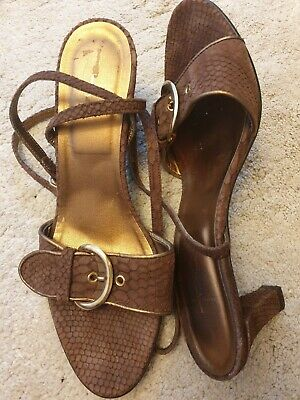 Ladies shoes size 5 used