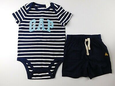 NWT Gap Baby Boy 2 Pc Outfit Cars T-Shirt//Shorts 12-18M /& 18-24M New MSRP $30