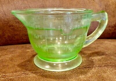 Antique Green Uranium Depression Glass Footed 2 Cup Measuring Cup Beautiful 16oz